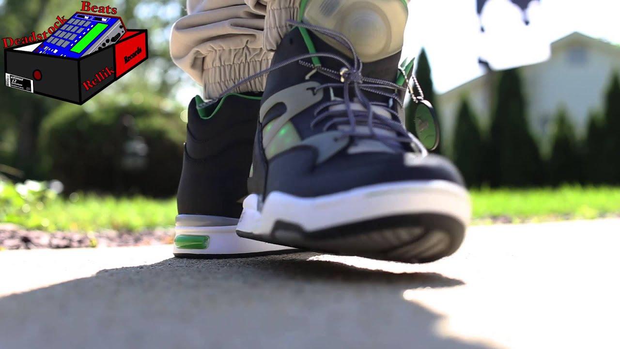 Reebok Pump Omni Zone x Solebox Green Lights On Feet - YouTube 39fc2df3b