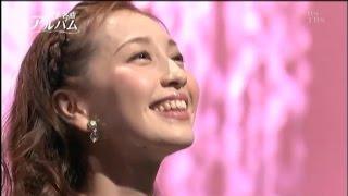 Đây là ca khúc tiêu biểu của ca kịch đoàn Takarazuka, ở đây được tr...