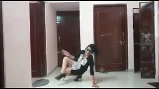 Hot Dance On - Dekh Mane Chutki Bajana Chod De