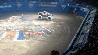 Monster Jam Providence, RI Dunkin Donuts Center 02/22/15 Monster Mutt Rottweiler Time Trial