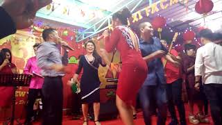 Gambar cover Zaskia Gotic -Cukup 1 Menit ( Official Video Music)