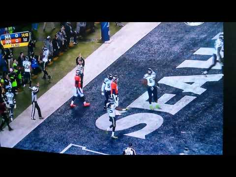 Peyton Manning safety 1st play! SuperBowl XLVIII