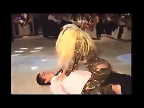Hadise Ateşli Dans Show (sevişmeli)