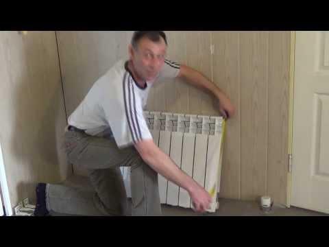 видео: Установка радиатора отопления своими силами. Часть 1