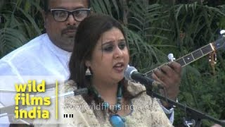 Sufi singer Ragini Rainu sings 'Be Hadh Ramzan Dasda Mera Dholan Mahi'