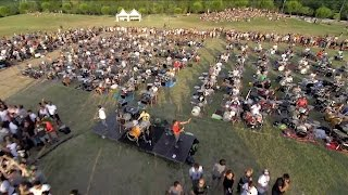 1000 musicians play Learn to Fly by Foo Fighters to ask Dave Grohl ...