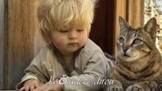 ♥♥♥ Kočka leze dírou....Písničky pro děti ♥♥♥