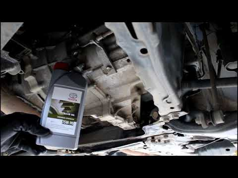Toyota RAV4 2,0 Тойота РАВ 4 2007 года Замена масла в коробке передач МКПП