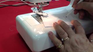 Using the Automatic Buttonhole