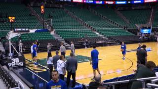 Klay Thompson pre-game shooting & signing autographs