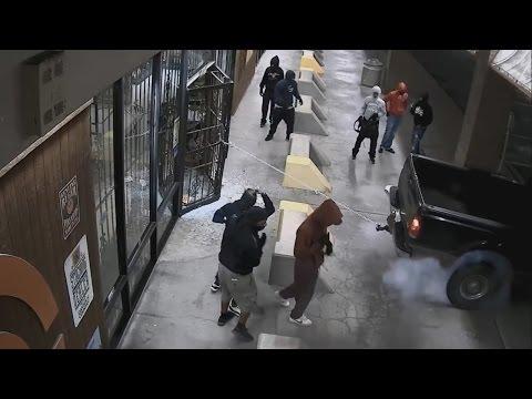 Masked Robbers Smash And Raid Texas Gun Shop (Video)