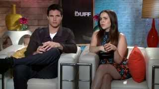MAE WHITMAN & ROBBIE AMELL TALK INSTAGRAM STALKING AND THE DUFF