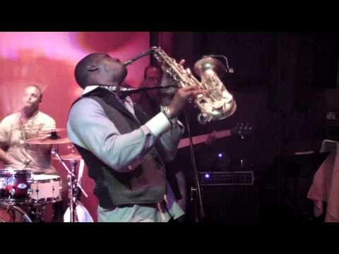 Winelight - Eric Darius (Smooth Jazz Family)