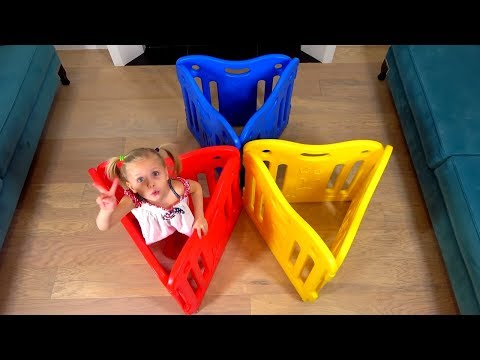 Alice pretend builds playhouse for dolls and soft toys / Learn color song
