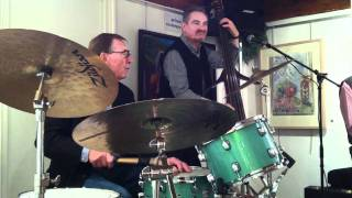 The Jazz Shades jazz Band Ipswich Suffolk With Bose 802 Speakers Live from the John Russell gallery