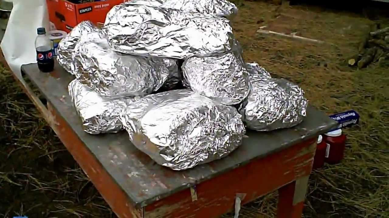 how to make an underground oven lovo pig roast youtube