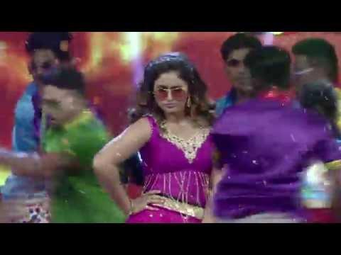 Ravishing Poonam Bajwa | Mirchi music awards 2015