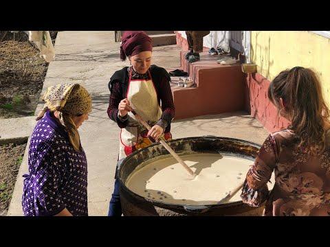 Главное блюдо Навруза!!!Как варят сумаляк в Узбекистане.Узбекистан.
