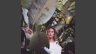 Play Take Me (feat. Mariana Thielen)
