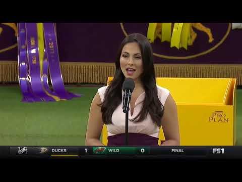 Isabel Leonard sings the National Anthem, Feb 2017