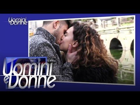 Uomini e Donne, Trono Classico - Esterna di Sara e Luigi thumbnail