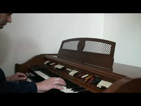Adrian Rose.Conn Serenade theatre organ.Dansero and trolley Song