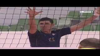 لقطات  من  مباراة الأهلي الليبي وبرج بوعريريج الجزائري - كرة الطائرة الشوط الأخير