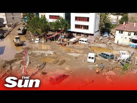 Turkey floods - Terrifying footage shows houses swept away