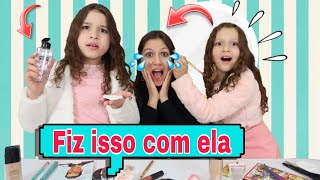 MARIA CLARA E DUDA BRINCAM DE SALÃO DE BEBEZA - Pretend play hair salon beauty salon