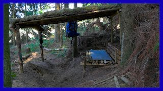Bushcraft Camp: Roof Hut - Outdoor Survival Shelter Lagerbau