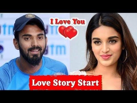 Cricketer K L Rahul Dating Bollywood Actress Nidhi Agarwal | निधि अगरवाल को डेट कर रहे है राहुल !!