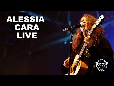 Alessia Cara Performs Live in Houston for the First Time | Know It All Tour | BLACK SHEEP TV