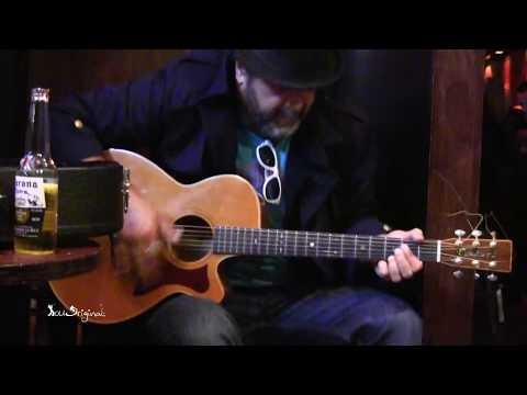 amazing-live-blues-acoustic-guitarist---andy-blue
