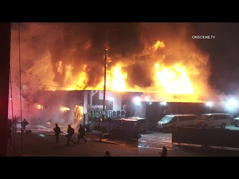 Fire Rips Through Commercial Building | South LA