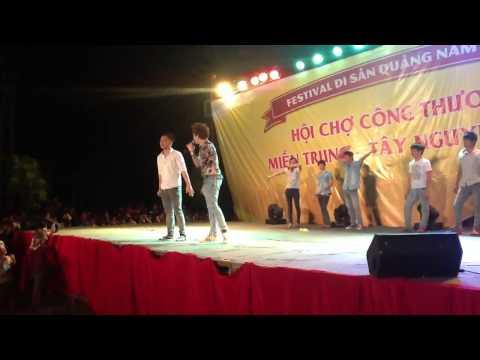 7 ngàn khán giả say mê nghe Lâm chấn huy hát song ca với lâ