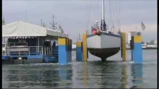 70ft - 50 ton yacht lift on Sealift2 dock in Gosport - Global Surveyor