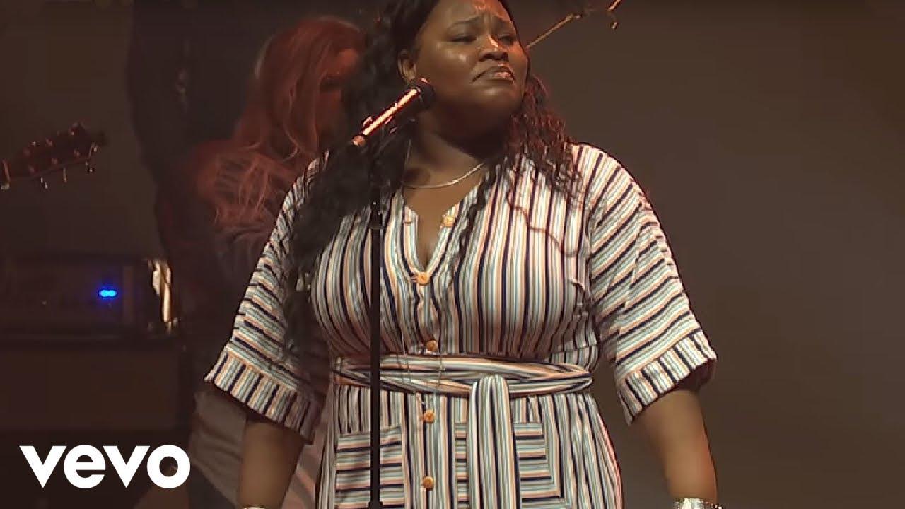 Tasha Cobbs Leonard - You Know My Name (Live)