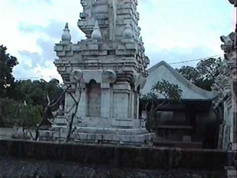 SANTURTZI - ISLA DE BALI-INDONESIA_Templo de Ulu-Watu.avi