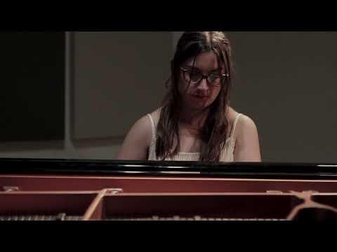 Ave de paso - Amalia Escobar