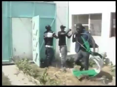 Shocking Video... Nigerians In Senegal Attack And Destroy The Nigerian Embassy In