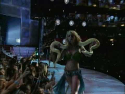 Britney Spears //  2001 MTV live performance (I'm a slave for you)