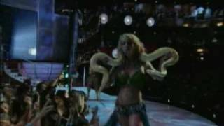 Britney Spears //  2001 MTV live performance (I