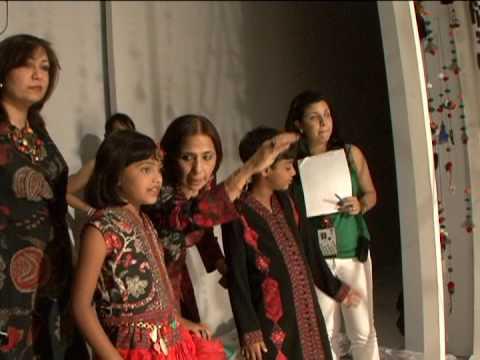'Slumdog' kids hit catwalk in India