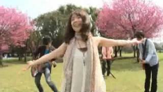 G PLUS / KIMI GA SUKI DESU http://www.universal-music.co.jp/e-sum/gplus/index.html.