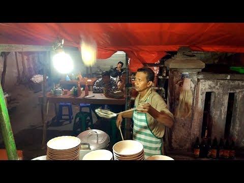 GOKILL !!! MASAK MIE AYAM DI LEMPAR LEMPAR MIE AYAM TERBANG !! | YOGYAKARTA STREET FOOD #BikinNgiler