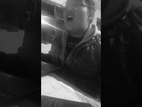 Karaoke Miley cyrus-Wrecking Ball Abigail Tenesaca