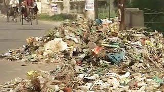 After Delhi, 'garbage protest' in Meerut where sanitation workers want higher wages