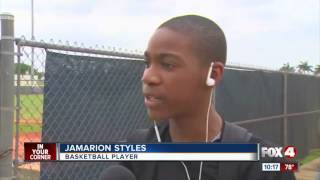 Teen plays basketball without arms