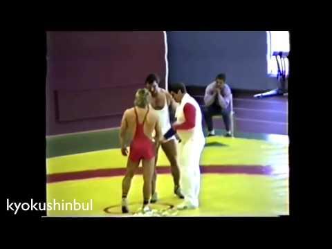 Bodybuilding 154kg vs Wrestling 72kg - Bodybuilder vs Wrestler