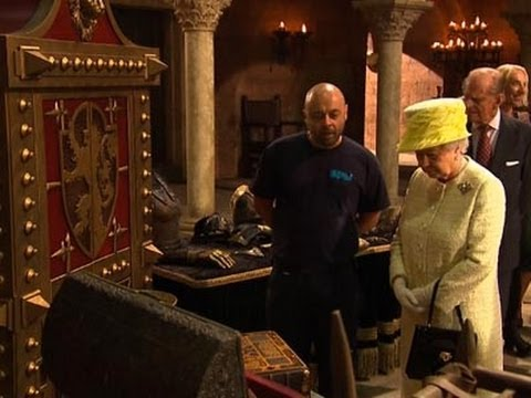 Raw: Queen Visits Game of Thrones Set
